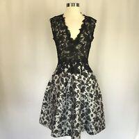 Monique Lhuillier Women's Cocktail Dress Size 4 Black Lace Fit and Flare $2,795