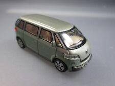 Hongwell: VW Microbus 2001  (Schub40)