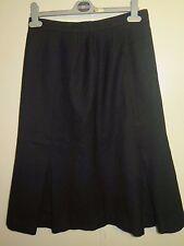 AUTHENTIQUE BURBERRY laine noire jupe Taille M UK 12 Euro 40