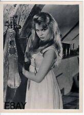Brigitte Bardot sexy sullen stare VINTAGE Photo