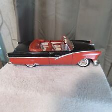 1:18 SCALE,1956 Ford SUNLINER Convertible Ertl American Muscle diecast Red/Black