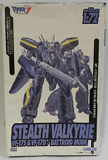 MACROSS : STEALTH VALKYRIE VF-17S & VF-17D BATTROID MODE MODEL KIT MADE BY WAVE