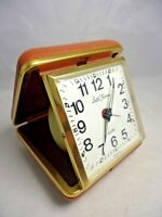 SETH THOMAS TRAVEL ALARM  CLOCK, MADE IN USA, TAN CASE WITH GOLD TRIM VINTAGE
