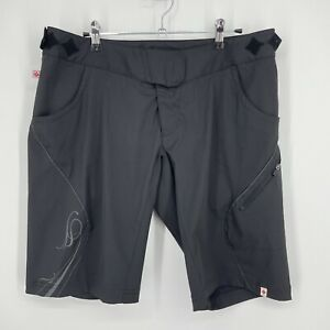Womens L Specialized black baggy MTB cycling unlined shell shorts coverup
