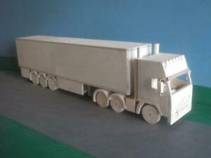 1:24th Scale Volvo FH Artic Wooden Model Truck