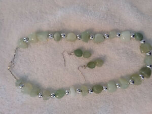 """New Carved Jade Agate Silver Bead 18"""" Necklace and Earring Set"""