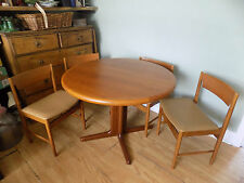 Vintage/Retro Up to 8 Seats Oval Kitchen & Dining Tables