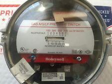 Honeywell C437E1004 Gas Air Pressure Switch, New