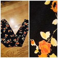 LuLaRo Leggings OS One Size Flowers Roses Petals on black