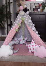 Teepee Tenda Tipi per bambini fatto a mano Tappeto Poli + 2 PON PON 3 cuscini Luci