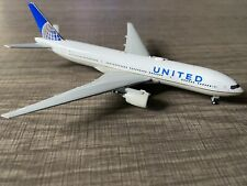 1:400 Gemini Jets United Boeing 777-200 GJUAL1589