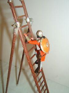 ELASTOLIN OUGEN 7 cm  série MOYEN AGE personnage avec échelle lot 13