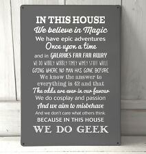 Esta Casa de HACEMOS Geek frase Gris Letrero A4 Letrero Metal