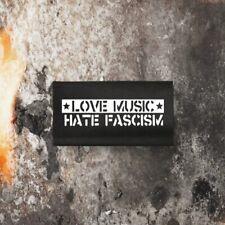 LOVE MUSIC HATE FASCISM PATCH MBPMTS007