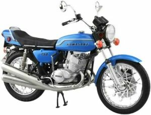 SKYNET 1/12 KAWASAKI 750SS MACH IV EUROPEAN SPEC CANDY BLUE FINISHED PRODUCT