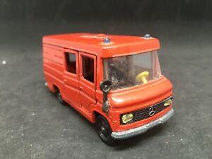 Siku camion Mercedes V 305 1/55
