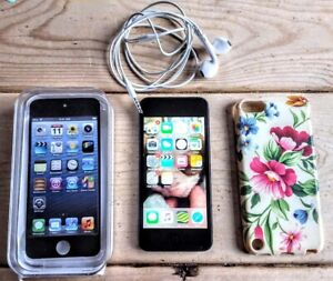 Apple iPod Touch 64GB 5th Generation - smart mp3 player - Fully Working - VGC