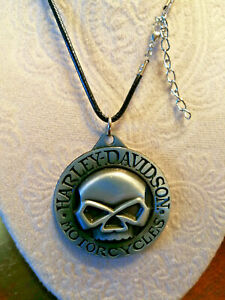 "HARLEY-DAVIDSON 3D SKULL PEWTER LOGO PENDANT NECKLACE - 23"" BLACK LEATHER"