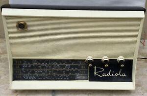 AWA RADIOLA OLD FASHION VALVE RADIO. GOOD WORKING ORDER
