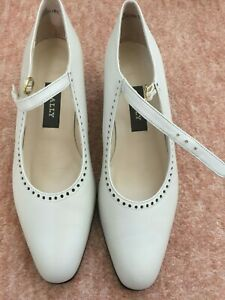 Ladies Beige BALLY Mary Ann Style Shoes - Low Heel Size UK 5.5 - Brand New