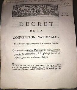 RÉVOLUTION.RENVOI AU GÉNÈRAL DUMOURIEZ DE 3 DRAPEAUX PRIS AUX AUTRICHIENS(1792).