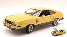 Ford Mustang II Stallion 1976 Yellow / Black 1:18 Model 12889 GREEN LIGHT