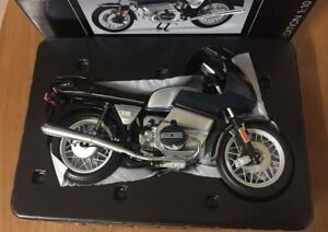 Schuco BMW R 100 RS Motorcycle Edition 1:10 Scale Blue Metallic 450650800