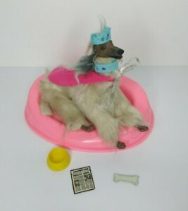 Barbie Articulated Dog Beauty 1979 Mattel Afghan Hound Poseable Bed & Accessorie