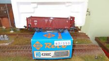 Roco 4390C Tow Truck in Banks High with Sentry Box