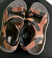 Mens hiking sandals size 10