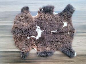 100% Genuine SHEEPSKIN RUG, Single Natural Sheepskin Fur, 26 x 32 in.