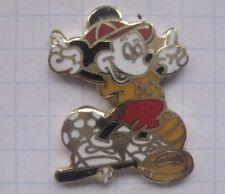 Mickey Mouse/Football/Baseball/Soccer... BD pin (149k)
