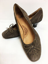 Women's Sofft Kalliope Nimbus Grey Suede Closed Tow Pump Low Heel Shoes 9 W