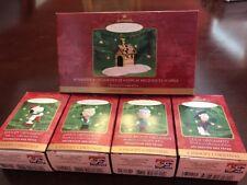 2000 Hallmark Peanuts A Snoopy Christmas 5 PC Ornament & Display Set in Box