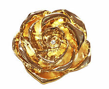GLINTING GOLD METAL CAMELLIA WITH TASTEFUL DIAMANTE BUD OCCASION BROOCH (ZX4/48)