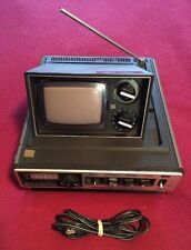 Vintage 1978 PANASONIC Solid State B&W TV AM FM Radio TR-535 AS IS