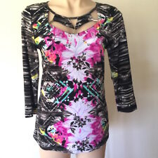 Women's NEW TOP Size XS stretch patterned 3/4 sleeve top neck cut out detail