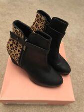 New Vanilla Moon wedge leopard pony boots, Size 5