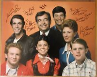 Happy Days Cast Signed by 7 16X20 Photo - Beckett BAS