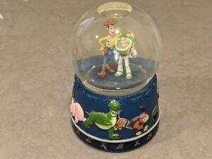 TOY STORY Sheriff Woody/Buzz Lightyear KCare Walt Disney/Pixar Musical Snowglobe