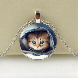 Katz Schmuck. Anhänger aus Acrylglas mit Halskette. Kätzchen