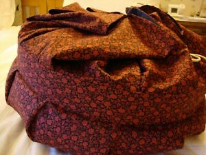 TRAVEL PILLOW, LACEMAKING