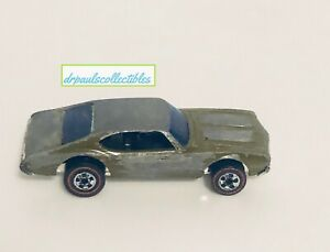 Hot Wheels Redline Army Staff Car Olds 442 Green 1969 HK Base Loose (wear)