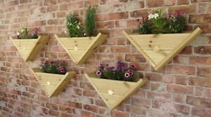 90° Triangle / Wall Hanging / Fence Post Mounted - Decking Planter Basket Pots