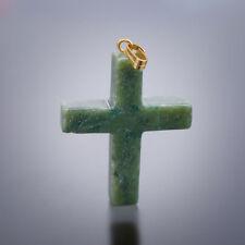 Jade Kreuz-Anhänger ca. 30 x 25 mm mit silberfarbener Schlaufe