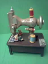 """San Francisco Music Box Company """"Mouse on Sewing Machine"""" Fur Elise - Perfect!"""
