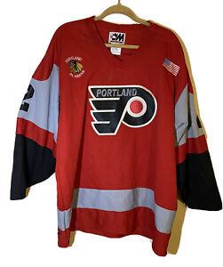 Portland Winterhawks Red Junior Hawks Jersey HOWE #2 Shirt Patches Size XL