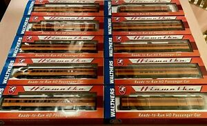 Walthers Collector's Edition Milw Rd 1955 TWIN CITIES HIAWATHA 10-Car Set w/Slvs