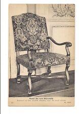 paris  musée des arts décoratifs  fauteuil en bois naturel