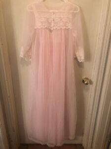 VTG Pink/Cream Evette Piegnoir Set SIZE SMALL Lace FLOWY Romantic Wedding Night